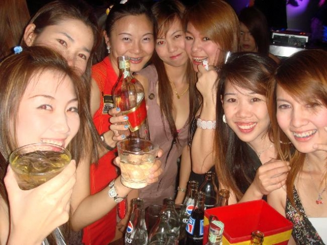 Thai Girls at Discover Club Chiang Mai