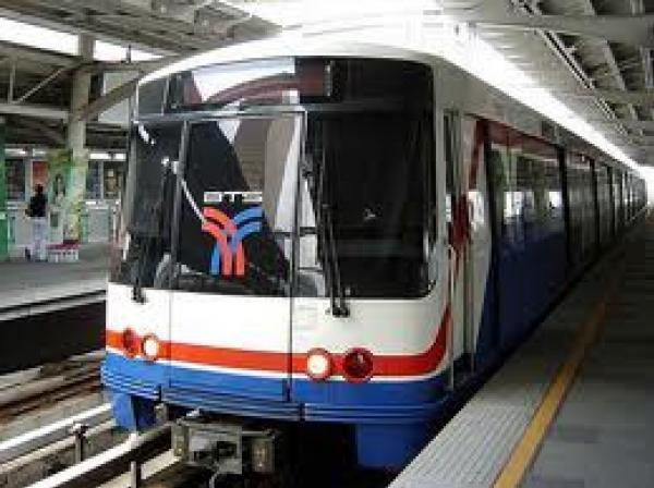 sky train in chiang mai